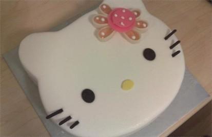 吃过好多次,最可爱的是kitty蛋糕了,100多点一个,说是6寸的,快到2磅一