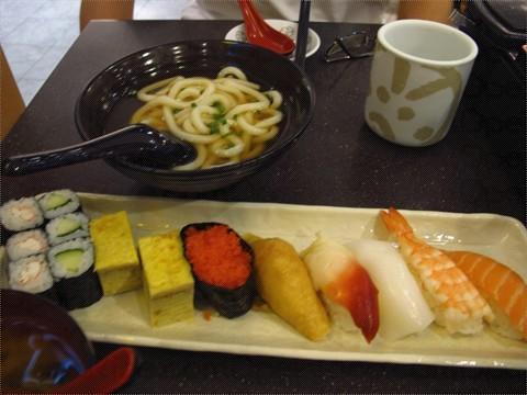 海鲜饭 0 海鲜饭 0 寿司拼盘 0 炸三文鱼骨 0 元气寿司噶logo 0