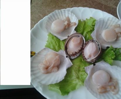 还有海胆丸, 造型也很可爱, 味道可口, 算是比较推荐的菜品, 扇贝也