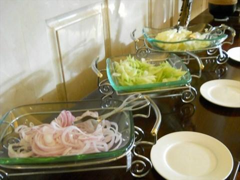 中式早餐的有风爪粥还有粉面等等