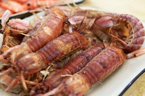 清蒸濑尿虾 - 沙面的金沙港海鲜酒楼