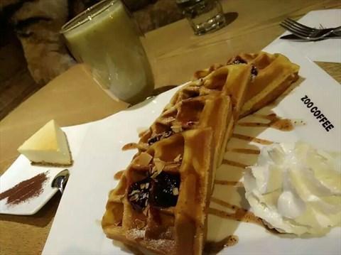 蓝莓华夫饼 - 十里堡的动物园咖啡)