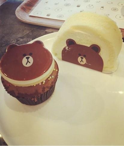 动物造型,爱死了,我喜欢他家的小熊蛋糕卷,看上去非常的憨厚,巧克力小